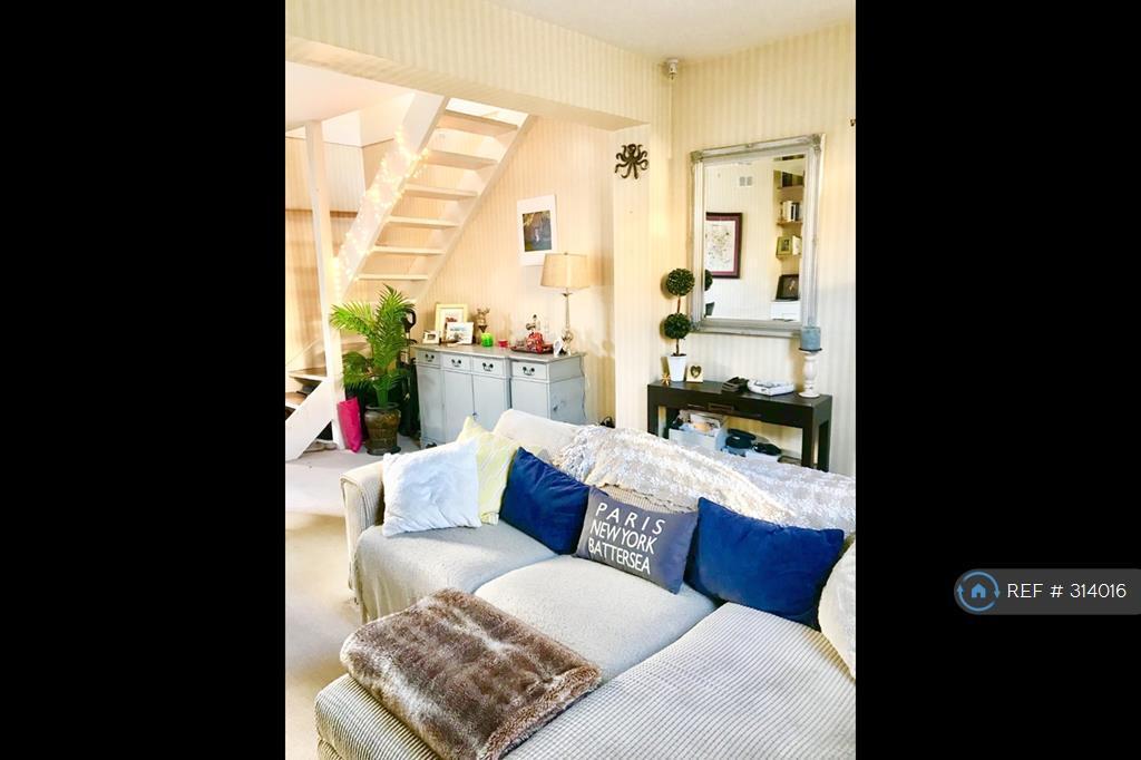 2 bedroom house in Battersea, Battersea , SW11