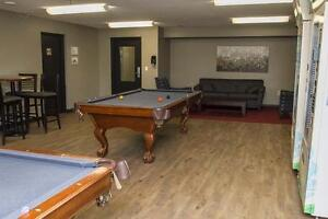 UWO Apts. near Oxford St. E & Talbot in London - WIFI Incl. London Ontario image 13