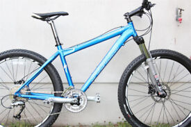 "2007 Specialized Rockhopper Disc Blue Men's 17"" Mountain Bike"