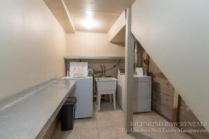 Renovated large 4/5 Bedroom house Old North 500$ inclusive London Ontario image 10