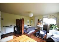 Studio flat in Hilltop House, Hornsey Lane, Highgate, N6