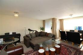 3 bedroom flat in Regent Court, Ballards Lane, Finchley, N3