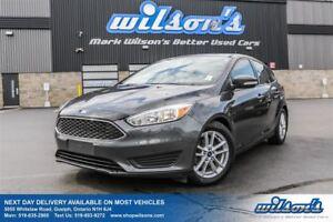 2015 Ford Focus SE SUNROOF! SYNC! HEATED SEATS! REVERSE SENSORS!
