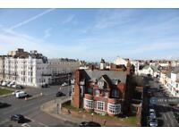 2 bedroom flat in The Priory, Hove, BN3 (2 bed)