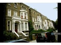 3 bedroom flat in Lancaster Grove, London, NW3 (3 bed)
