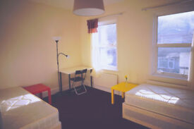 Twin - double bedroom for singles ready now. Plaistow, Canning town. No fees.