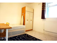 2 weeks deposit only! bedroom ready now. Bow, Mile end.