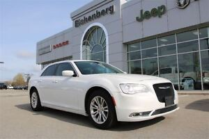 2016 Chrysler 300 Limited *NAV/Leather*