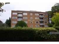 3 bedroom flat in Parham Court, Worthing, BN11 (3 bed)