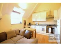 GREAT FOR SHARERS!! TWO DOUBLE BEDROOM FLAT AVAILABLE NOW TO RENT IN HORNSEY/CROUCH END * MUST SEE!