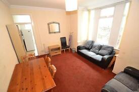 5 bedroom house in Allensbank Road, Heath, Cardiff