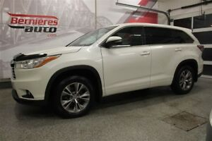 2015 Toyota Highlander LE AWD 8 Passagers
