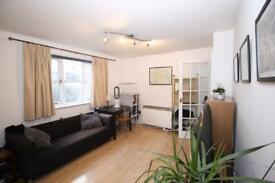 Studio flat in Plough Way, Surrey Quays, London SE16