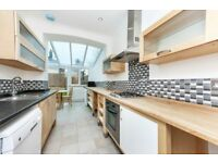 Stunning Ultra-Modern 3 Bedroom Apartment in the Heart of Tooting