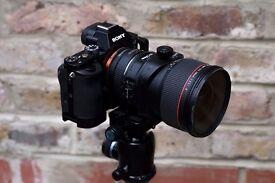 Only 2k frames Sony Alpha A7R Body + L-Bracket Grip (MINT)