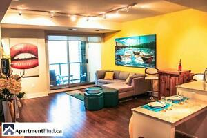 Luxury condo with beautiful open concept & Stunning view!