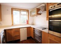 Large 3 bedroom flat to rent in Kilburn, spacious reception room with private garden