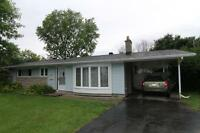 1 Month Free Britannia Bay Nepean 3 bed Bungalow w/large yard