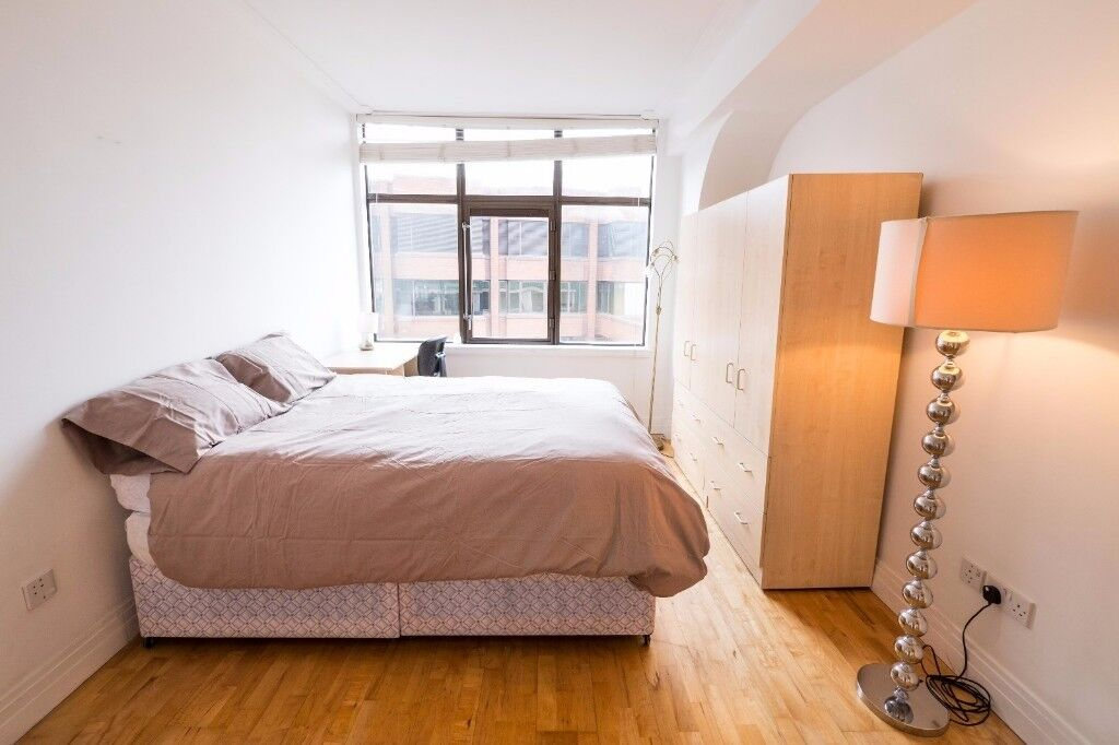 ** SUPERBE COUPLE DOUBLE BED ROOM **