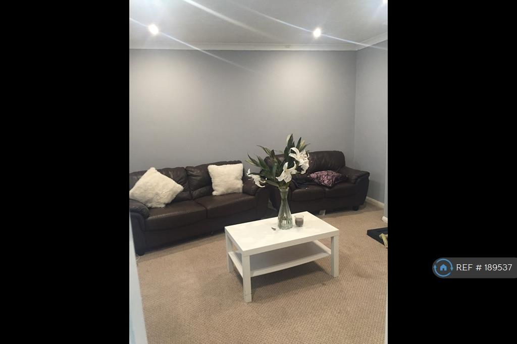 4 bedroom house in Norman Terrance, Rowely Regis, B65 (4 bed)