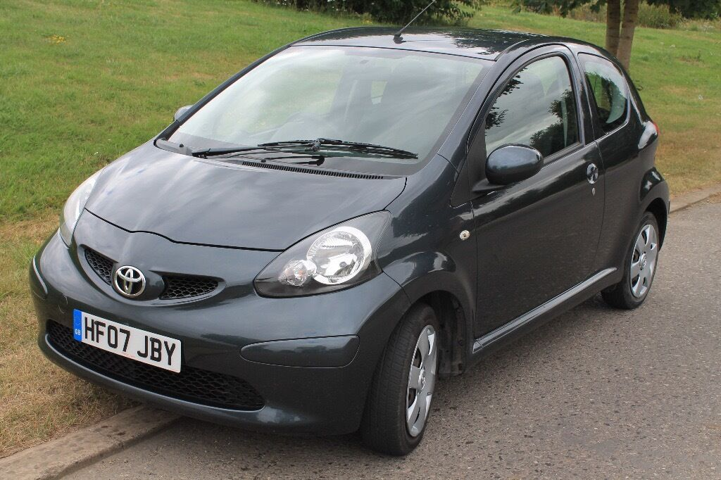 toyota aygo 2007 1 0 grey 3 door c52 000 miles 20 tax perfect first car in faringdon. Black Bedroom Furniture Sets. Home Design Ideas