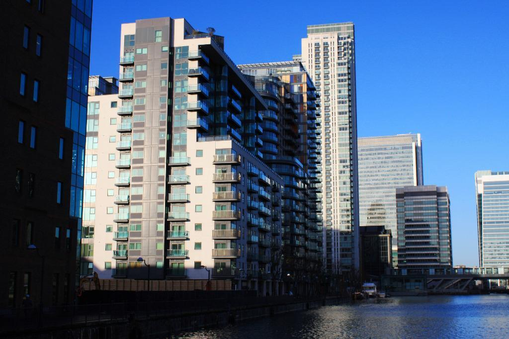 Superb 2 bedroom with river views