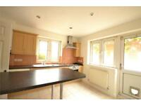 3 bedroom house in Hamilton Road, London, N2