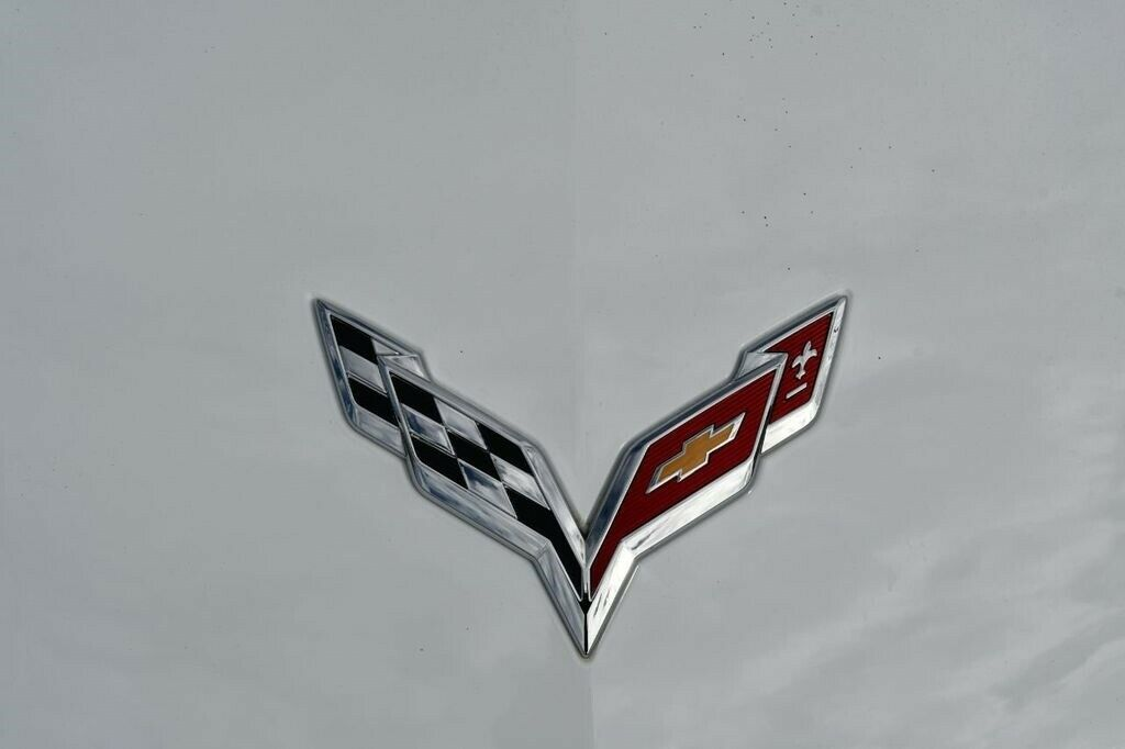 2017 White Chevrolet Corvette Convertible 3LT | C7 Corvette Photo 10