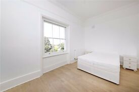 **Lovely renovated 3 bedroom flat with private parking in a great area**