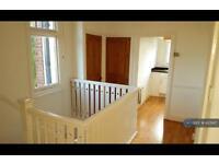 2 bedroom flat in Wimbledon Park Road, London, SW18 (2 bed)