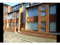 2 bedroom flat in Heald Street, Garston, Liverpool, L19 (2 bed)