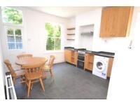 2 bedroom flat in Manor Park Road, East Finchley, N2