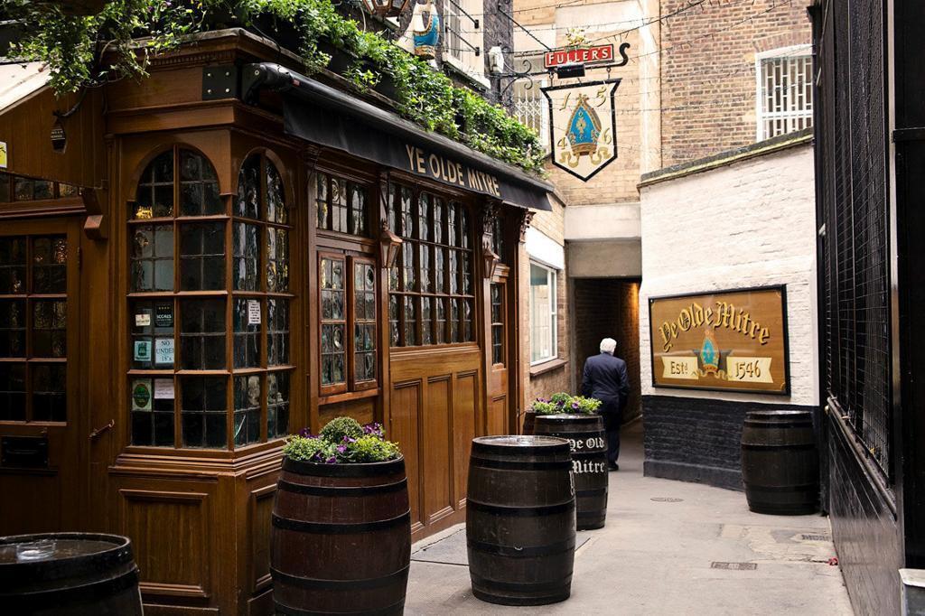 Bar Staff - Ye Olde Mitre