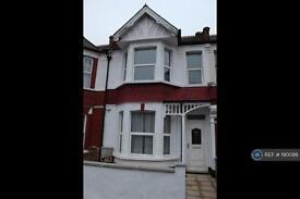 4 bedroom house in Dewey Street, London, SW17 (4 bed)
