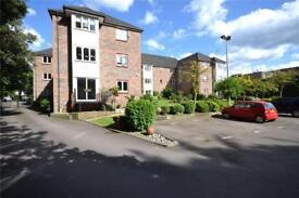 2 bedroom flat in Odette Court, 1059 High Road, Whetsone, N20