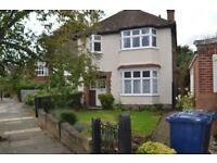 3 bedroom house in Ramillies Road, Chiswick