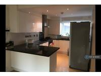 3 bedroom house in Colindale, London, NW9 (3 bed)