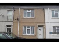 2 bedroom house in Pantyfynnon Road, Ammanford, SA18 (2 bed)
