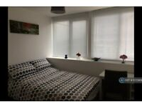 2 bedroom flat in Enterprise House, Portsmouth, PO1 (2 bed) (#1072969)