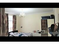 3 bedroom flat in Woodsley Road, Leeds, LS3 (3 bed) (#876890)