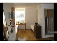 1 bedroom in Linton Street, London, N1 (#1053523)