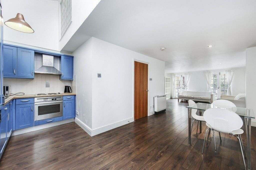 Stylish Three Bedroom House With Two Bathrooms Moments From Mile End Station Lt Ref 4582881