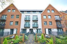 2 bedroom flat in Wheston Lodge, 7 Holden Avenue, London, N12