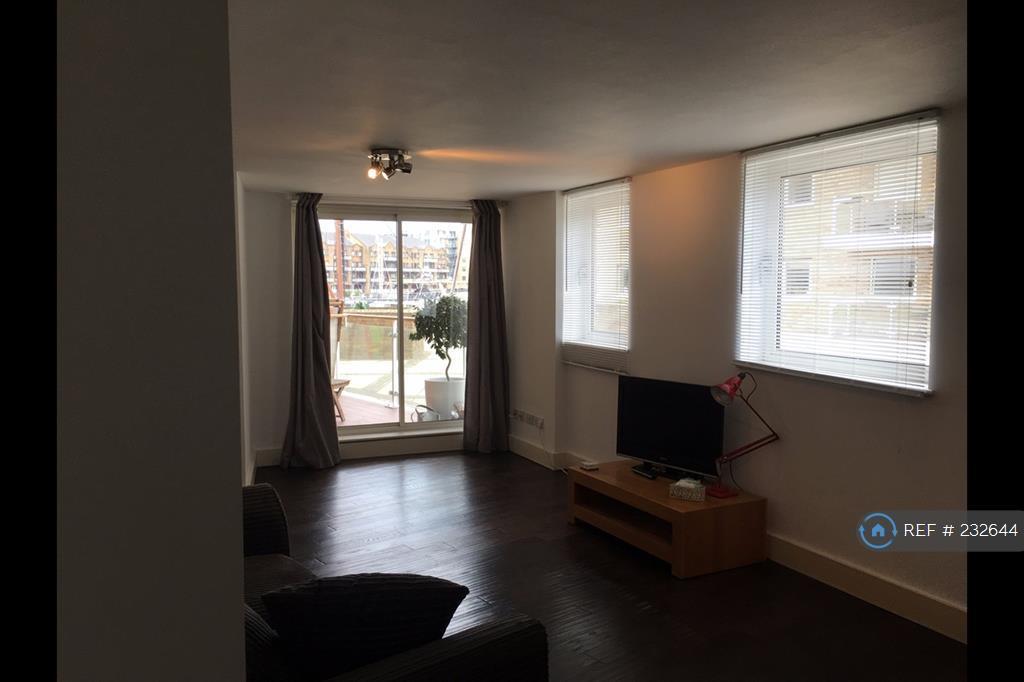 2 bedroom flat in Basin Approach, London, E14 (2 bed)