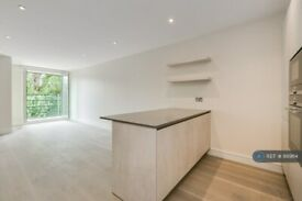 2 bedroom flat in Broomhouse Lane, London, SW6 (2 bed) (#889114)