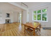 2 bedroom flat in Trouville Road, London, SW4 (2 bed)