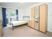 4 bedroom flat in Windmill House, 146 Westferry Road, Canary Wharf
