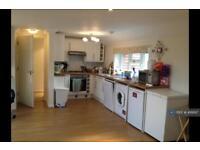 2 bedroom flat in High Street, Tonbridge, Kent, TN12 (2 bed)