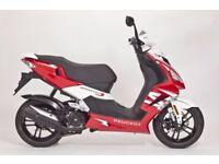 Peugeot Speedfight 3 125cc 5.8kM, INC P Jacket/ Gloves/2 Helmets/Chain Lock/Sat Nav Mount/Box Mount
