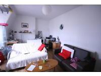 2 bedroom flat in Grand Parade, Haringey